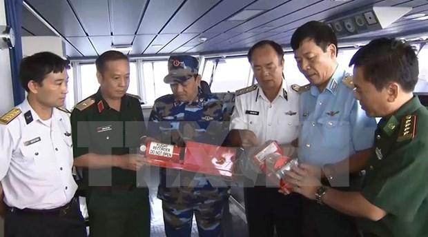 Recuperan cajas negras de avion CASA 212 accidentado en el mar hinh anh 1