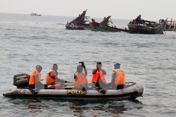 Indonesia advierte a pesqueros extranjeros ilegales hinh anh 1