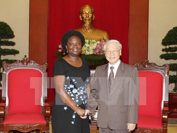 Recibe secretario general de PCV a vicepresidenta de Banco Mundial hinh anh 1