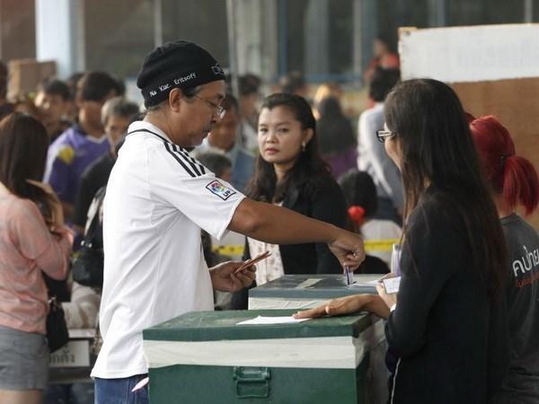 Mayoria de los tailandeses indecisos de participar en referendo, segun encuesta hinh anh 1