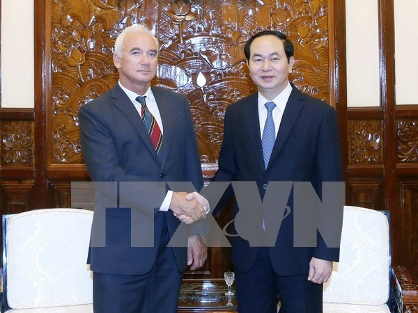 Presidente de Vietnam recibe al saliente embajador bielorruso hinh anh 1