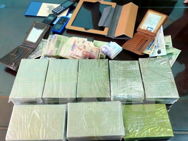 Desbaratan contrabando de drogas por via postal en Vietnam hinh anh 1