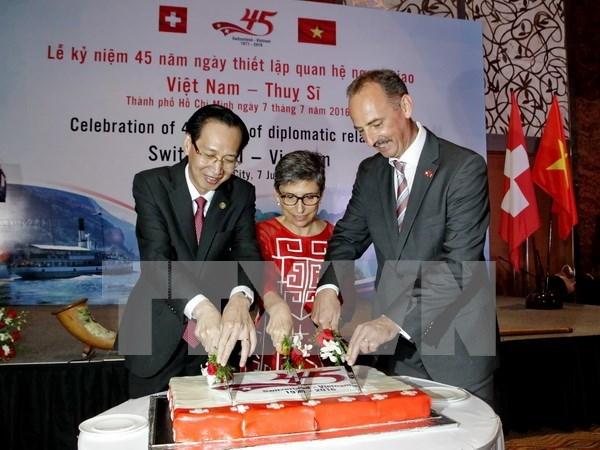 Celebran aniversario 45 de relaciones diplomaticas Vietnam – Suiza hinh anh 1