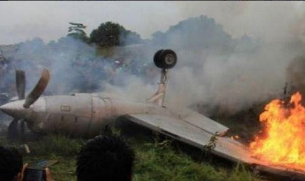 Indonesia: Dos personas muertas al caer un helicoptero militar hinh anh 1