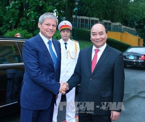 Vietnam concede importancia a relaciones con Rumania hinh anh 1