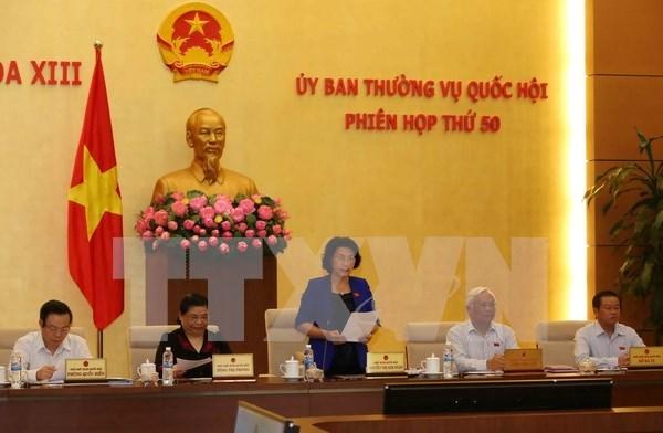 Comite Permanente de Parlamento debate garantia de metas socioeconomicas en 2016 hinh anh 1