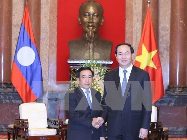 Presidente de Vietnam recibe a vicepresidente de Laos hinh anh 1