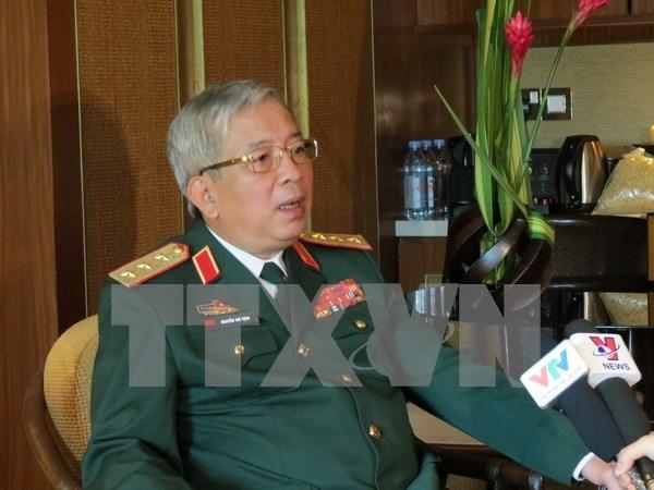 Viceministro de Defensa vietnamita recibe a agregados militares japoneses hinh anh 1