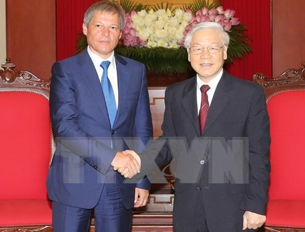 Altos dirigentes vietnamitas reciben a primer ministro rumano hinh anh 1