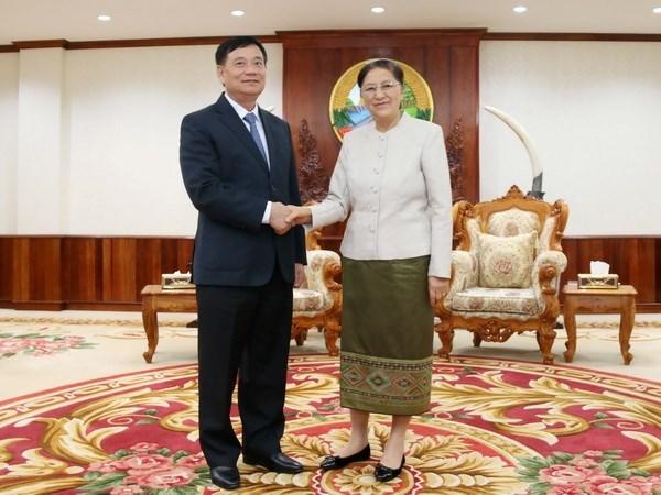 Dirigente parlamentaria laosiana elogia apoyo de Asamblea Nacional de Vietnam hinh anh 1