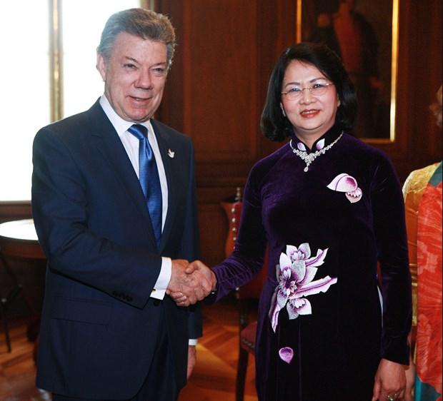 Vicepresidenta vietnamita dialoga con Juan Manuel Santos en La Paz hinh anh 1