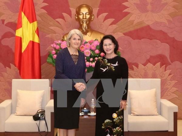 Presidenta del parlamento de Vietnam recibe a embajadores nordicos hinh anh 1