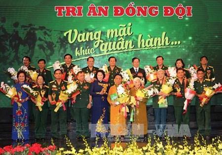 Conmemoran Dia Nacional de Invalidos de Guerra y Martires de Vietnam hinh anh 1