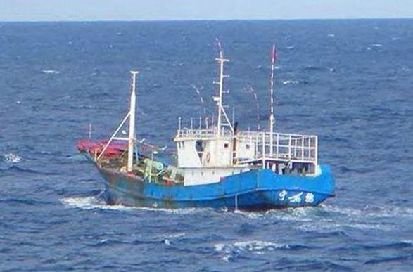 Desparecen cinco marineros malasios hinh anh 1