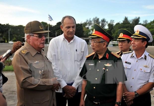 Viceministro de Defensa de Vietnam visita Cuba hinh anh 1