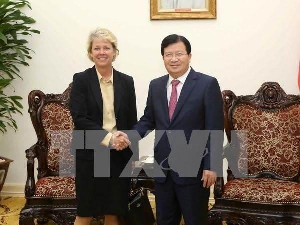 Vicepremier de Vietnam recibe a representante de Siemens hinh anh 1