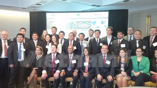 Vietnam asiste al seminario de APEC en Mexico hinh anh 1