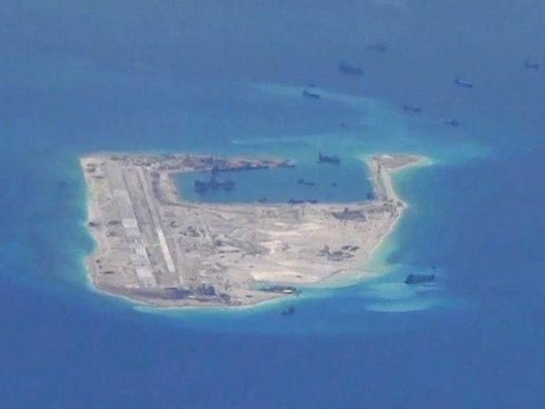Vietnamitas y filipinos en Alemania apoyan el fallo del PCA sobre Mar del Este hinh anh 1