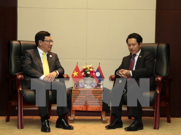 Vicepremier vietnamita se reune con cancilleres de Laos y Brunei hinh anh 1