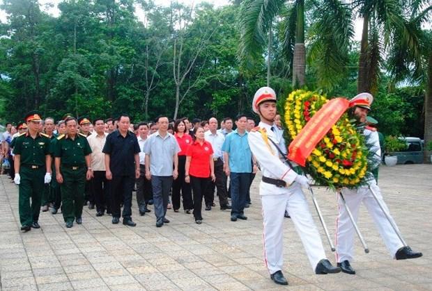 Rinden homenaje en Vietnam a martires caidos por la independencia hinh anh 1