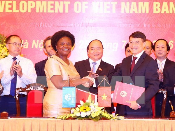 Otorgan Orden de Amistad a exdirectora del BM en Vietnam hinh anh 1
