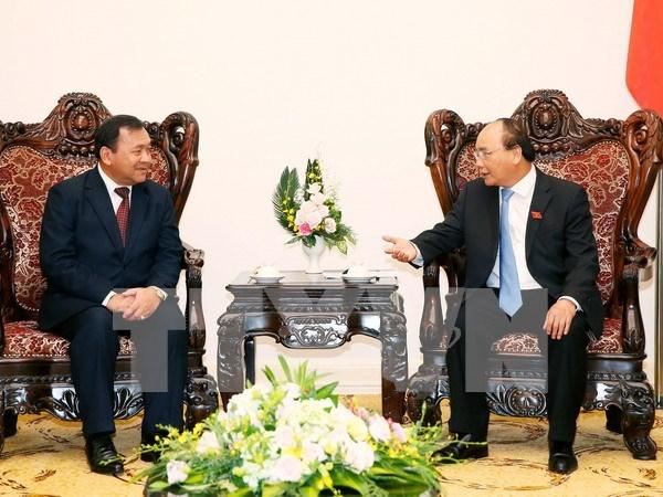 Recibe premier vietnamita a embajador saliente camboyano hinh anh 1