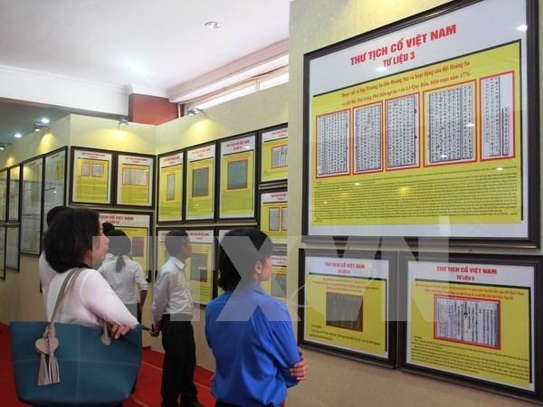 Exhiben documentos de soberania vietnamita sobre Hoang Sa y Truong Sa hinh anh 1