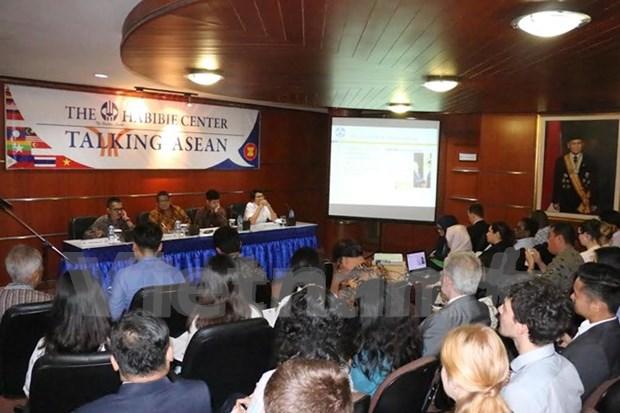 Dialogo de ASEAN enfoca dictamen de PCA sobre disputas en Mar del Este hinh anh 1