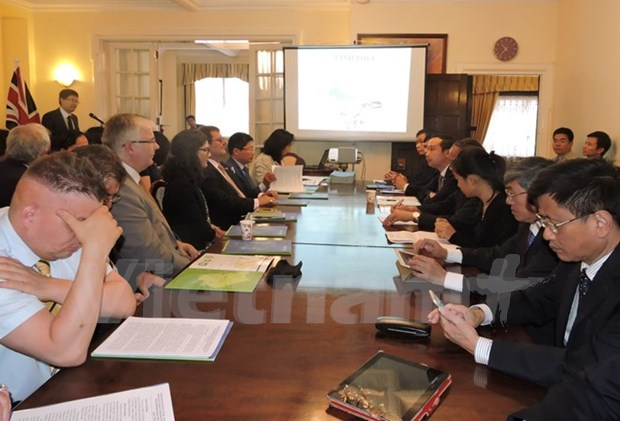 Provincia de Vietnam de Vinh Phuc promueve inversiones britanicas hinh anh 1