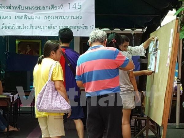 Tailandia celebra referendo para nueva Constitucion hinh anh 1