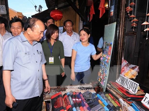 Vietnam determinado convertir turismo en sector economico clave, afirma premier hinh anh 1