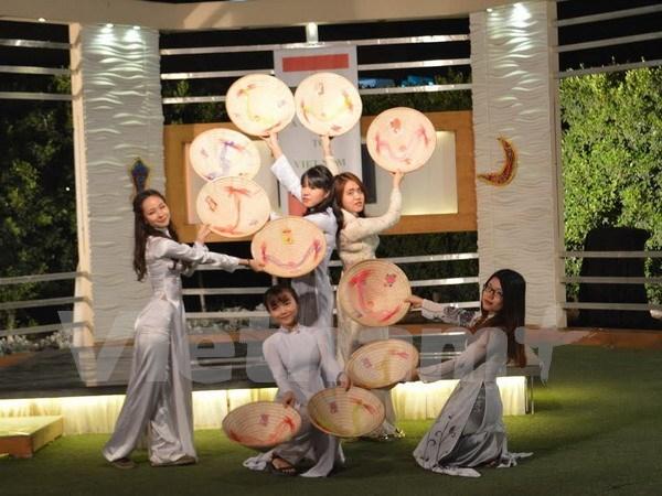 Celebraran en Hanoi primer festival de trajes tradicionales de mujeres vietnamitas hinh anh 1