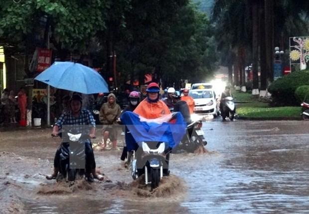 Pronostican continuo aguacero en las regiones nortenas de Vietnam hinh anh 1