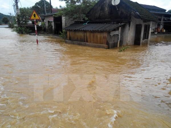 Al menos seis muertos y un desaparecido por lluvias torrenciales en norte de Vietnam hinh anh 1