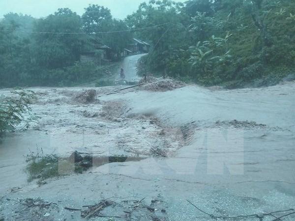 Aumentan muertos por lluvias torrenciales en el norte de Vietnam hinh anh 1