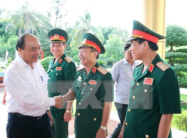 Gobierno garantizara recursos al ejercito, afirma premier de Vietnam hinh anh 1