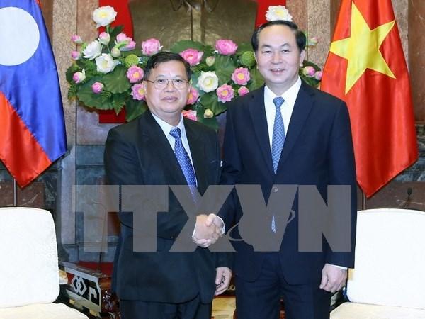 Presidente vietnamita reafirma prioridad de relaciones con Laos hinh anh 1