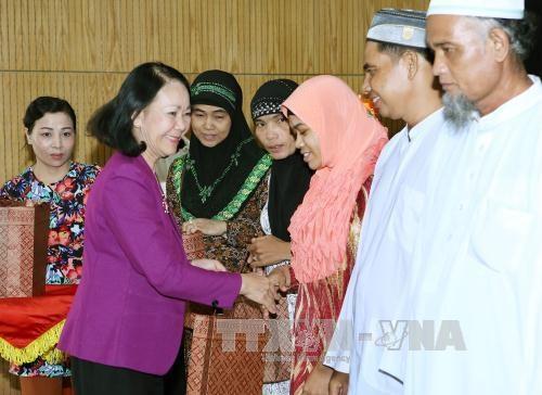 Reconocen contribuciones de comunidad islamica a desarrollo de Vietnam hinh anh 1