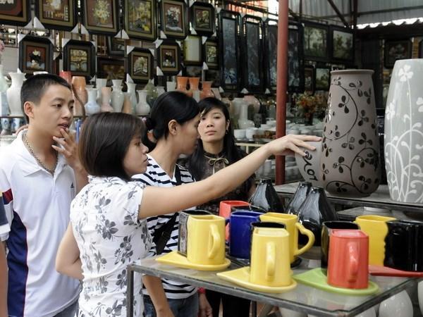 Jovenes exploran aldeas artesanales tradicionales de Hanoi hinh anh 1