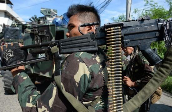 Filipinas elimina tres sospechosos vinculados con EI hinh anh 1