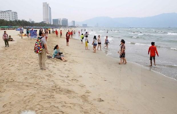 Agua del mar en provincias costeras centrales de Vietnam es segura hinh anh 1