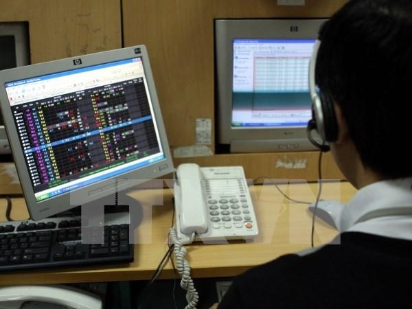 Capitales extranjeros en el mercado bursatil vietnamita crecen 3,5 veces hinh anh 1