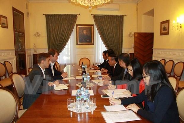 Visita de trabajo a Rusia de delegacion de Partido Comunista de Vietnam hinh anh 1