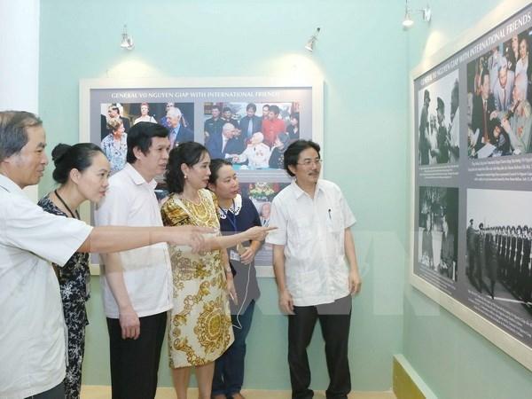 Vida y obra del legendario general Vo Nguyen Giap a traves de fotos hinh anh 1