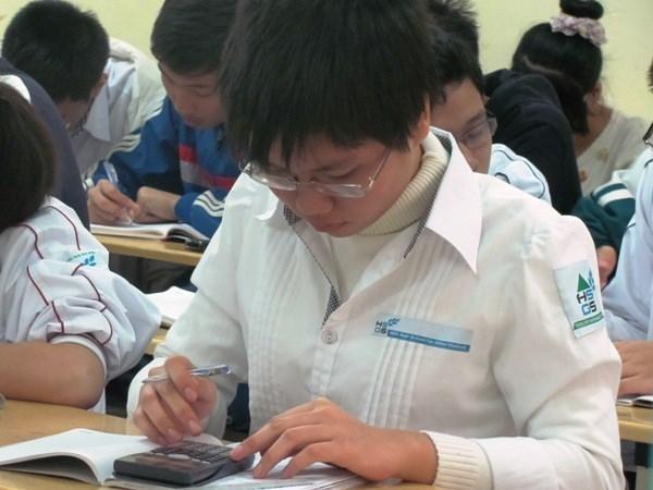 Provincia de Bac Giang experimenta ensenanza bilingue de matematica hinh anh 1