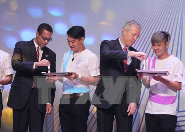 Por primera vez en Vietnam servicio de autoexamen de VIH hinh anh 1