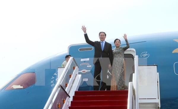 Presidente vietnamita inicia visita a Singapur hinh anh 1