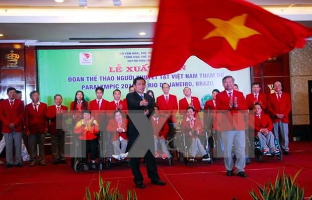 Atletas vietnamitas parten para Juegos Paralimpicos Rio 2016 hinh anh 1