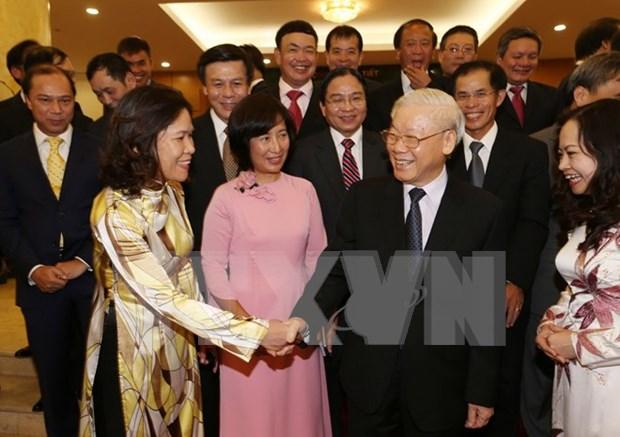Lider partidista se reune con jefes de misiones vietnamitas en el extranjero hinh anh 1