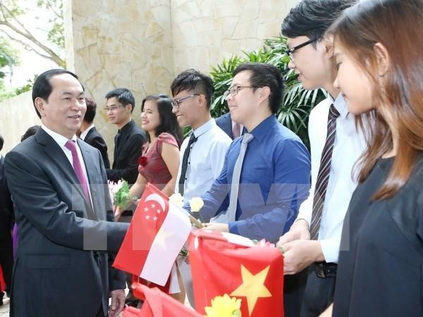 Presidente de Vietnam culmina primer dia de actividades en visita estatal a Singapur hinh anh 1